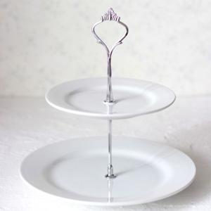 ポーセラーツ白磁:2段エタージェラ (リムプレート) シルバー